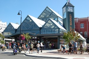 Photo of Bellingham Farmer's Market courtesy of bbjtoday.com